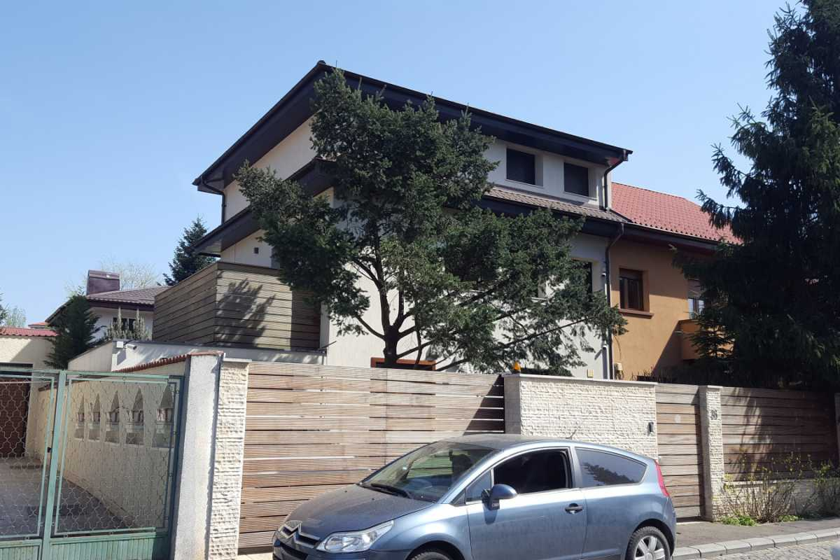 4 Bedroom Apartment For Sale In Primaverii